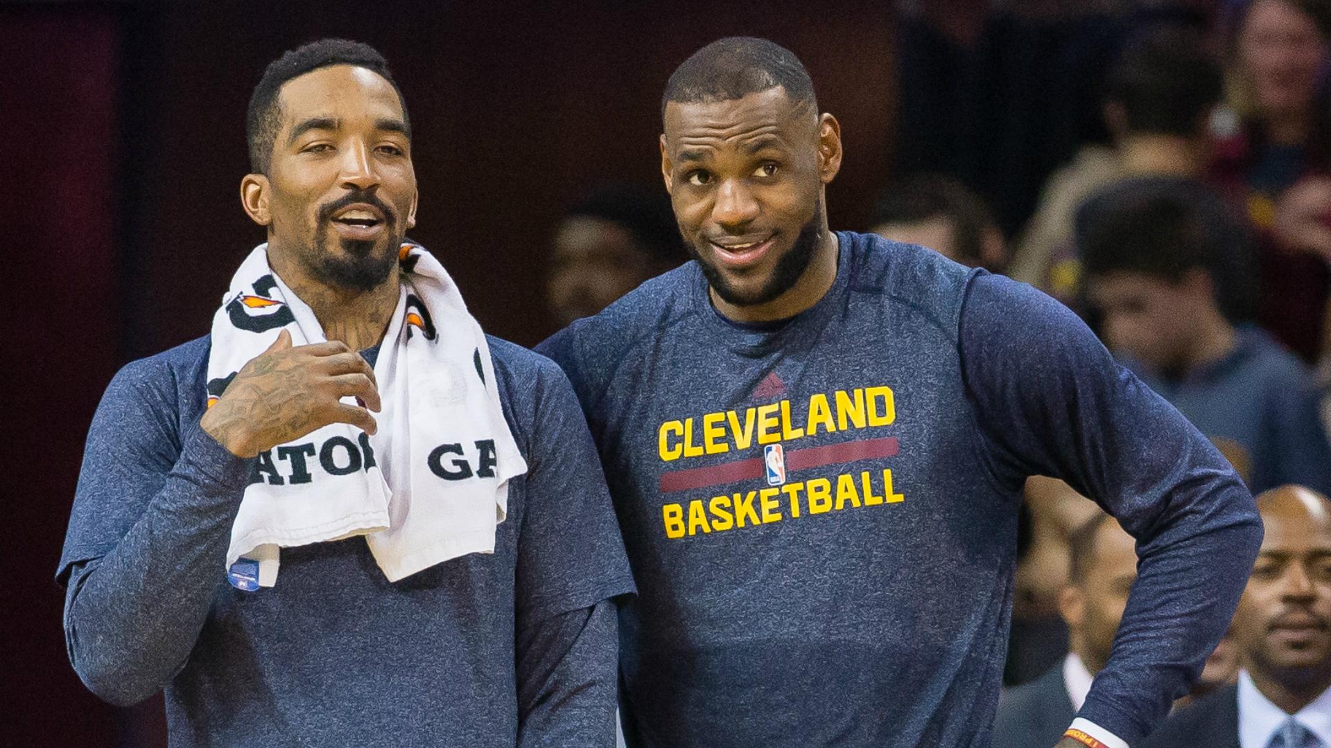 بسکتبال NBA؛ لبران جیمز خواستار تمدید قرار داد جی آر اسمیت با کلیولند کاوالیرز شد