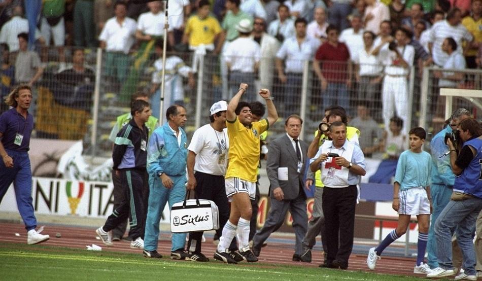بزرگترین رقابت بین المللی فوتبال - سوپر کلاسیکو - دیگو مارادونا - آب مقدس - رونالدو نازاریو