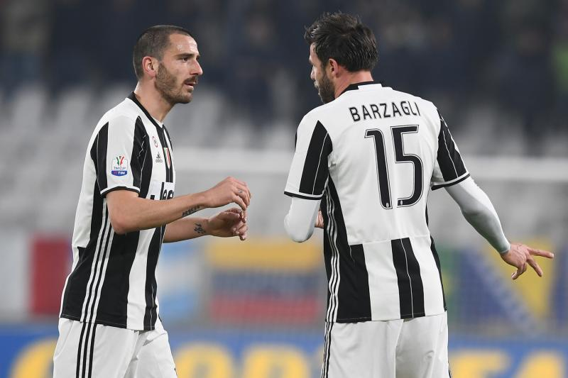 یوونتوس - یووه - بیانکونری - بانوی پیر - Bianconeri - The Old Lady - Juventus - Juve - روسونری - میلان - A.C. Milan - Rossoneri - Leonardo Bonucci - Andrea Bargzali