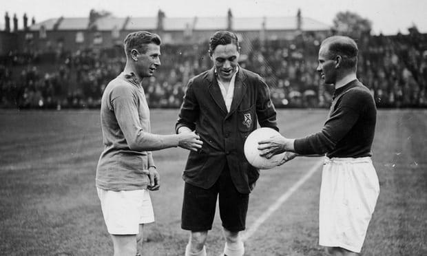 تاریخچه پیدایش توپ سفید رنگ در فوتبال-لیگ برتر انگلیس
