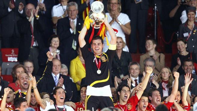 تاریخچه مسابقات یورو (16): یورو 2008